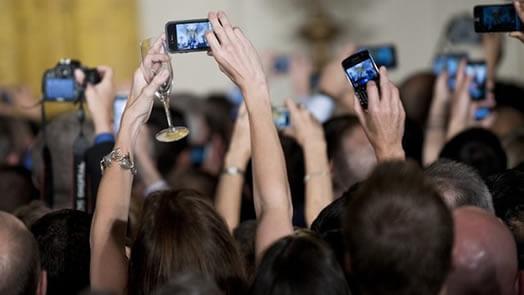 Teknolojinin Gelişmesi İnsanları Eşya Bağımlısı Mı Yaptı?